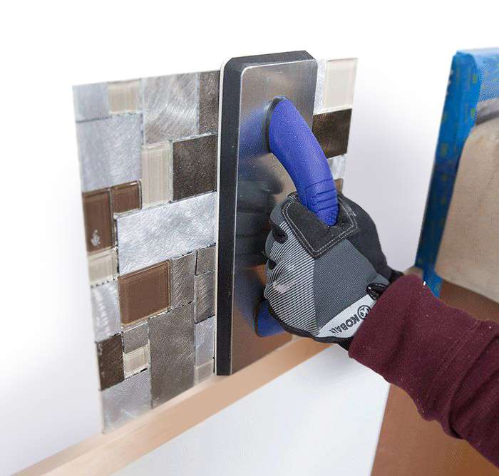 ht_install-a-tile-backsplash-presswithfloat